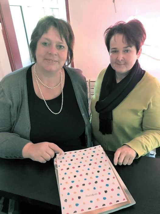 Frau Venjakob AL°L GmbH und Frau Bennecke von RheumaKinder e.V. Entwurf Design