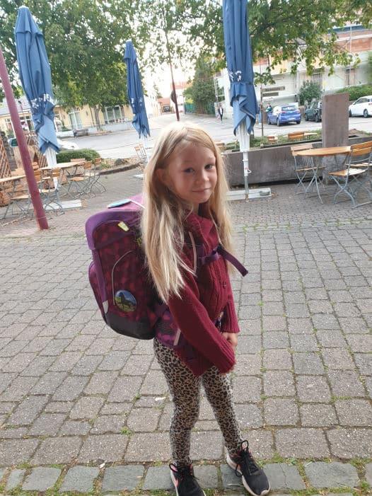 Selina 8 Jahre Gewinner eines Schulrucksack - Aktion 2020