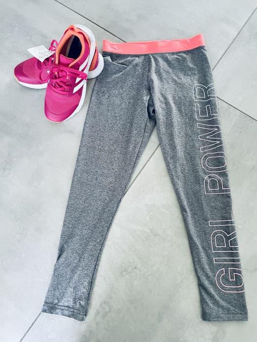 Tessa neue Sportkleidung gesponsert von den Eltern