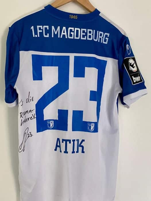 1.FC Magdeburg Trikot Rückseite mit Atik und Widmung